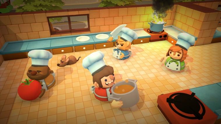 Screenshot: mehrere Köche eilen durch den Raum