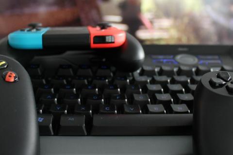 Tastatur und Controller